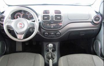 Fiat Grand Siena Tetrafuel 1.4 EVO - Foto #9