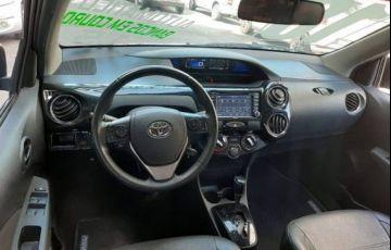 Toyota Etios 1.5 Platinum Sedan 16v - Foto #4
