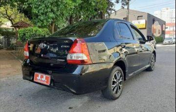 Toyota Etios 1.5 Platinum Sedan 16v - Foto #8