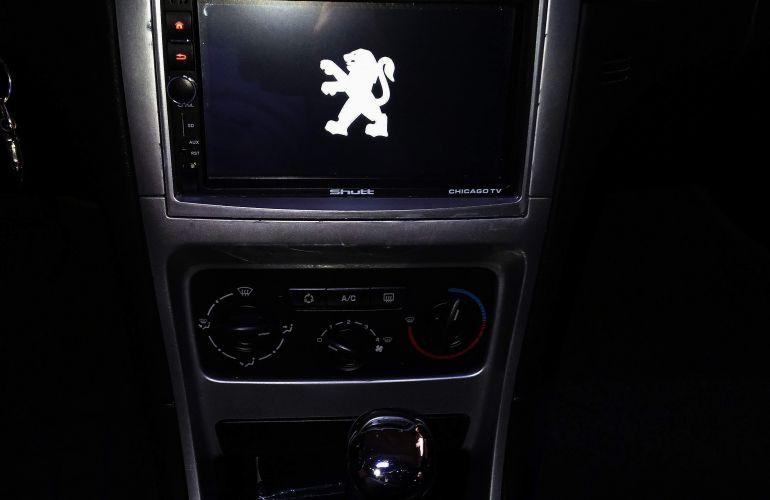 Peugeot 307 Sedan Presence Pack 2.0 16V (flex) (aut.) - Foto #10