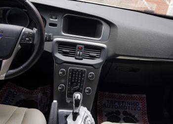 Volvo V40 2.0 T4 Momentum - Foto #7