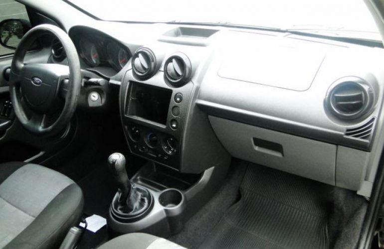 Ford Fiesta 1.0 Rocam Hatch 8v - Foto #9