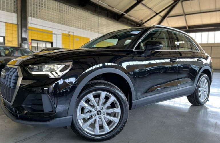 Audi Q3 1.4 Prestige Plus S-Tronic - Foto #2