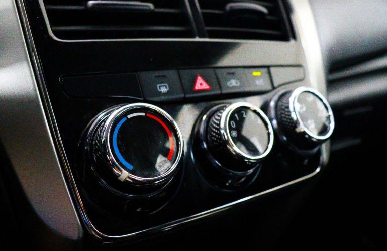 Toyota Yaris 1.5 16V Sedan Xl - Foto #9