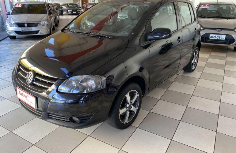 Volkswagen Fox Black 1.0 8V (Flex) 4p - Foto #3