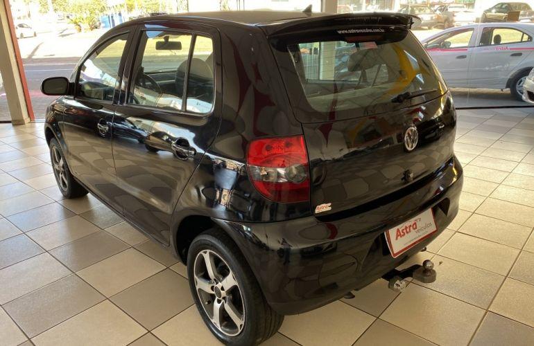 Volkswagen Fox Black 1.0 8V (Flex) 4p - Foto #5
