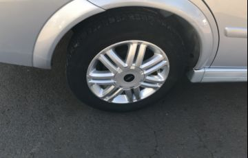 Chevrolet Astra Sedan 2.0 8V - Foto #2