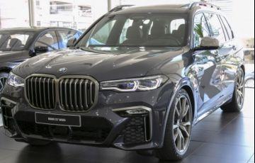 BMW X7 4.4 V8 M50i