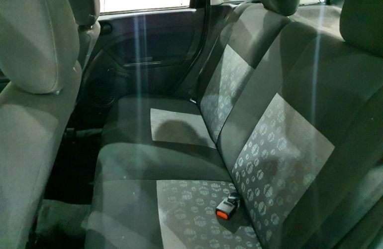 Ford Fiesta 1.0 Rocam SE 8v - Foto #7