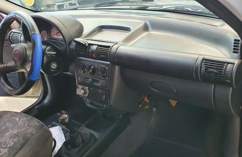 Chevrolet Corsa 1.0 MPFi Milenium 8v - Foto #9