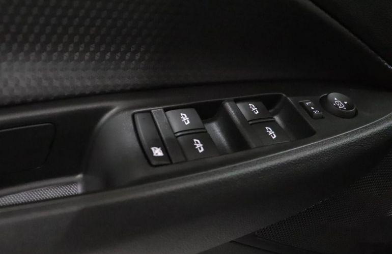 Chevrolet Onix 1.0 LT - Foto #2