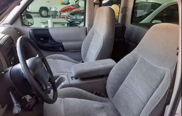 Ford Ranger 4.0 Stx 4x2 CE V6 12v - Foto #4