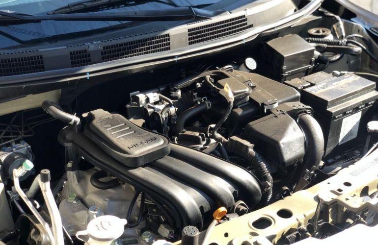 Nissan Versa 1.0 12v - Foto #7