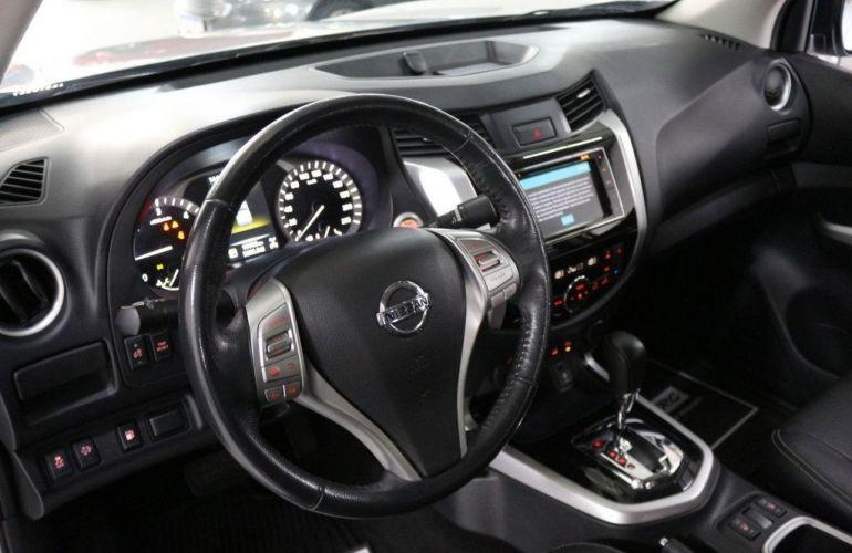 Nissan Frontier LE 4X4 2.3 Bi Turbo 190 cv - Foto #9