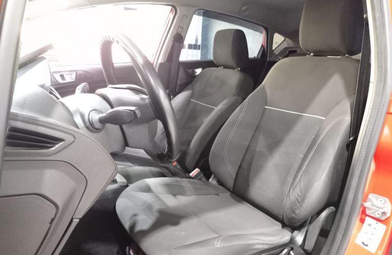 Ford Fiesta 1.5 SE Hatch 16v - Foto #5