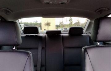 BMW 320i 2.0 16V - Foto #6