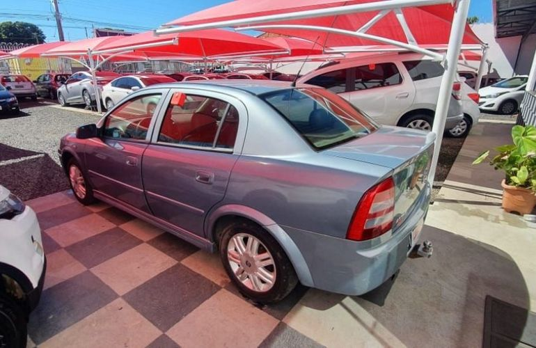 Chevrolet Astra 2.0 MPFi CD Sedan 8v - Foto #3