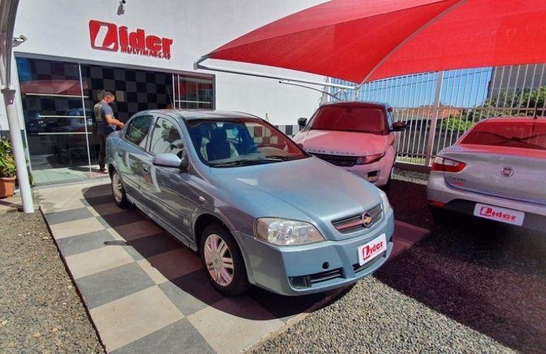 Chevrolet Astra 2.0 MPFi CD Sedan 8v - Foto #4