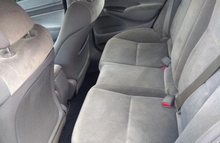 Honda Civic 1.8 LXS 16v - Foto #5