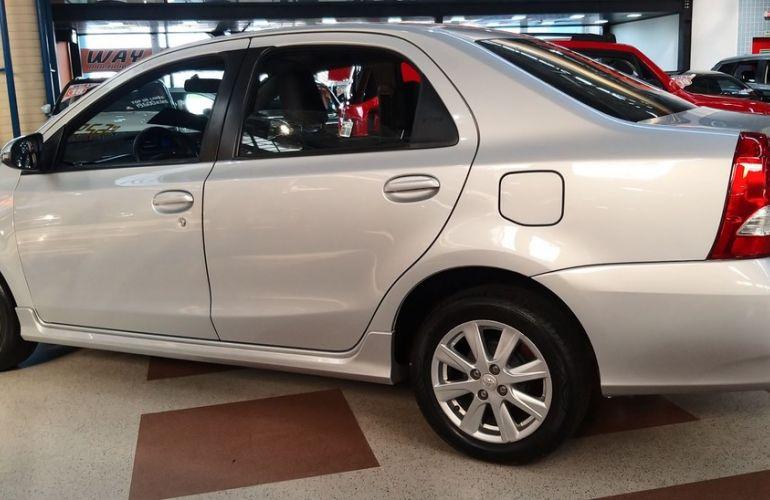 Toyota Etios 1.5 Xls Sedan 16v - Foto #2