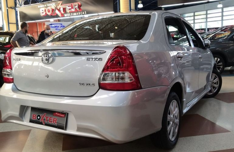Toyota Etios 1.5 Xls Sedan 16v - Foto #10