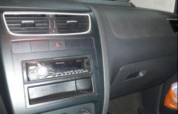 Volkswagen Fox 1.0 VHT (Flex) 4p - Foto #7