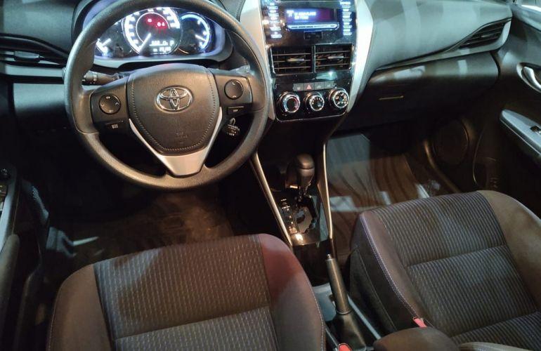Toyota Yaris 1.3 16V Xl Multidrive - Foto #2