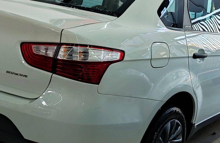 Fiat Grand Siena Evo Attractive 1.0 (Flex) - Foto #2