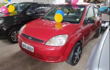 Ford Fiesta Sedan Personnalité 1.0 8V - Foto #2