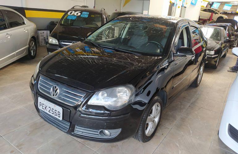 Volkswagen Polo Sedan 1.6 8V (Flex) - Foto #2