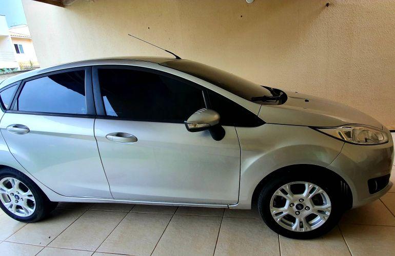 Ford New Fiesta SE 1.6 16V PowerShift - Foto #1
