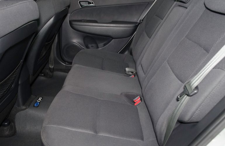 Hyundai i30 CW 2.0i GLS (Aut) - Foto #9