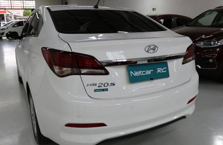 Hyundai HB20S Comfort Plus 1.0 12V Flex - Foto #4