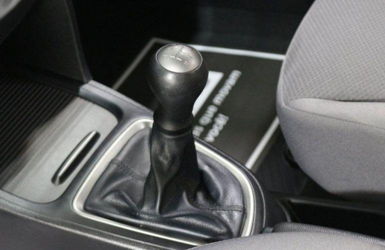 Hyundai HB20S Comfort Plus 1.0 12V Flex - Foto #10