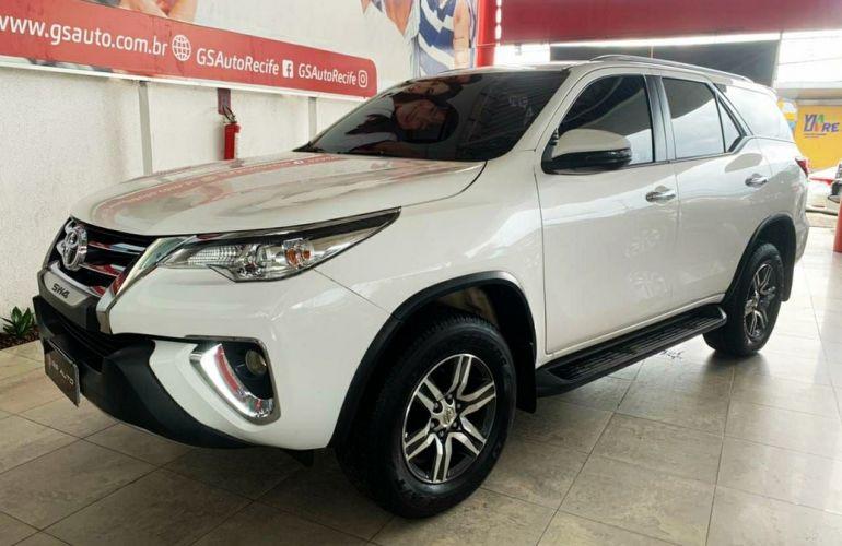 Toyota Hilux Sw4 2.7 Srv 7 Lugares 4x2 16v - Foto #1