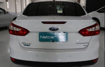 Ford Focus Sedan Titanium 2.0 PowerShift - Foto #4
