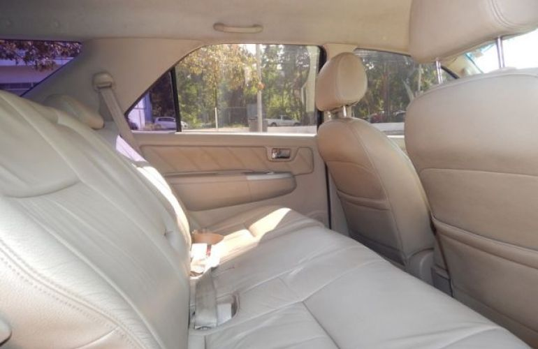 Toyota Hilux SW4 SRV 4X4 3.0 Turbo Intercooler 16V - Foto #4