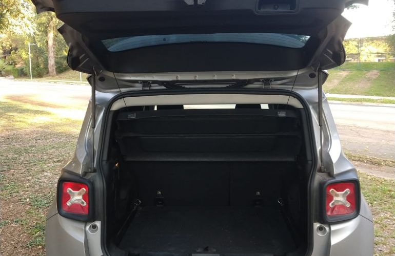 Jeep Renegade 1.8 Sport (Aut) - Foto #8