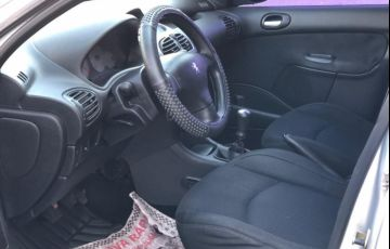 Peugeot 206 1.4 Presence 8v - Foto #5