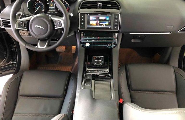 Jaguar F-Pace Prestige 2.0 - Foto #6