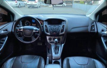 Ford Focus Hatch SE 1.6 16V TiVCT PowerShift - Foto #5