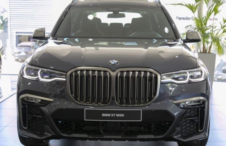 BMW X7 4.4 V8 M50i - Foto #2