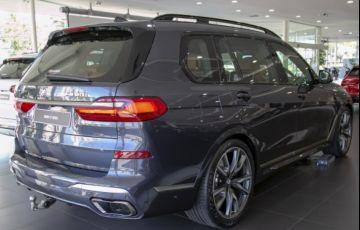 BMW X7 4.4 V8 M50i - Foto #4
