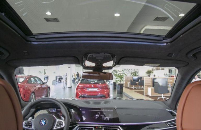 BMW X7 4.4 V8 M50i - Foto #7