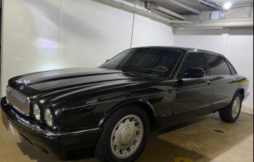 Jaguar Daimler V8 - Exclusivo no Brasil