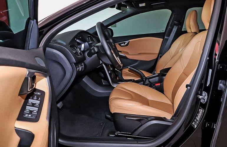 Volvo V40 2.0 T4 Kinetic - Foto #4