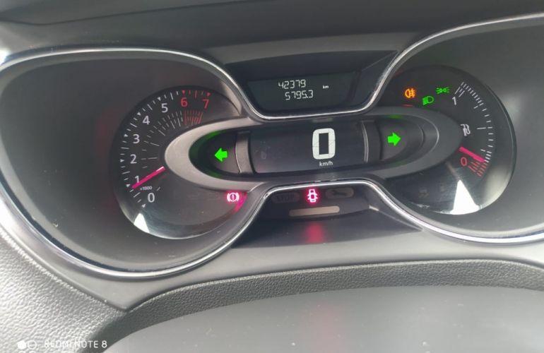 Renault Captur Zen 1.6 16v SCe - Foto #8