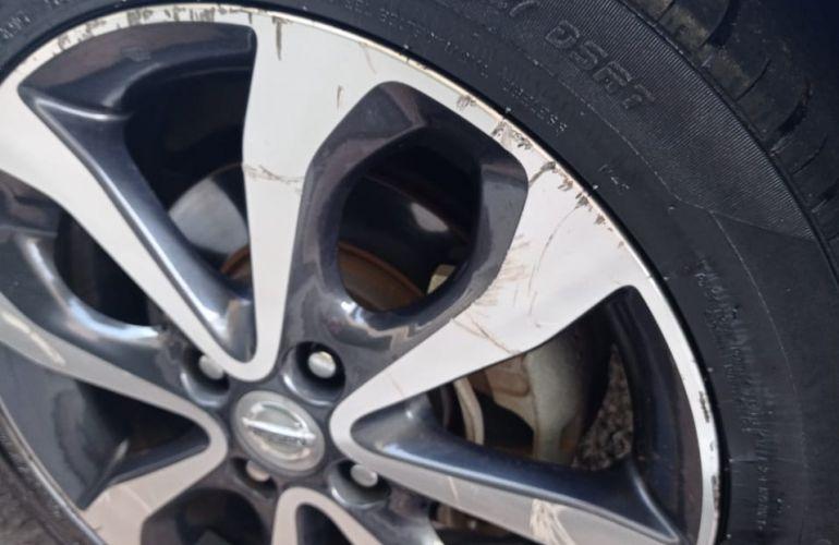 Nissan March 1.6 16V SL (Flex) - Foto #9