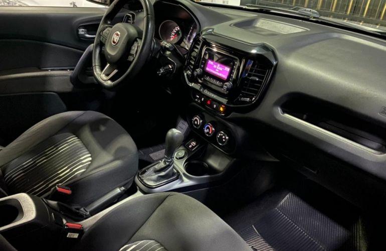 Fiat Toro 1.8 Freedom (Aut) - Foto #8