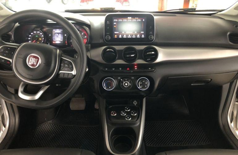 Fiat Cronos 1.3 Drive GSR (Flex) - Foto #8